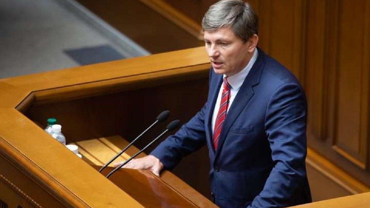 Політсила Порошенка закликала Раду висловити недовіру уряду Шмигаля та виправити помилки Зеленського