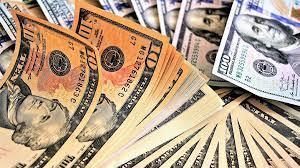 В Умані корупціонер під час затримання спробував з'їсти гроші, які отримав у вигляді хабаря